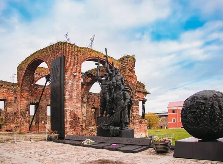 Автобусная экскурсия в крепость Орешек с посещением музея «Дорога Победы»